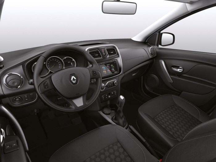 Renault Logan 2014-foto-salon
