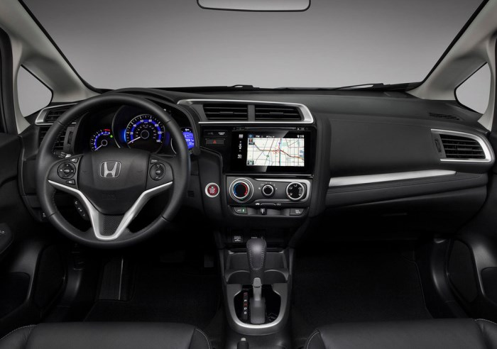 salon-Honda Fit 2015