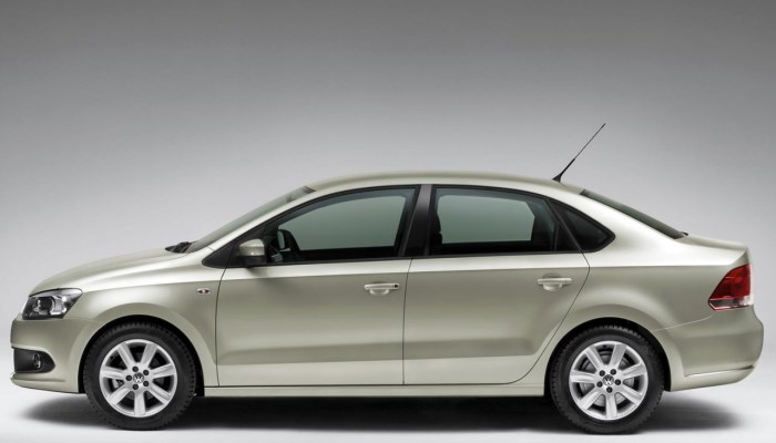 Volkswagen-Polo-sedan-exterior