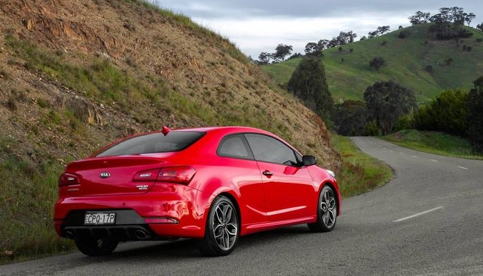2014-Kia-Cerato-Koup-Turbo-rear
