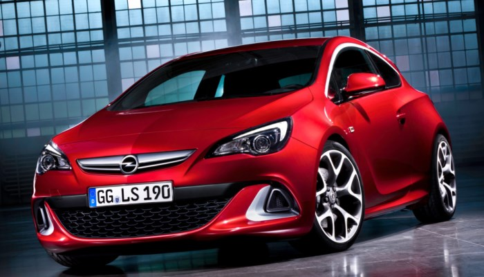 Opel_Astra_OPC