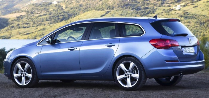 foto-opel-astra-sports-tourer