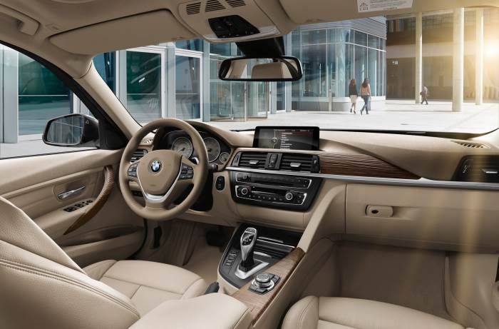salon-BMW 3 series