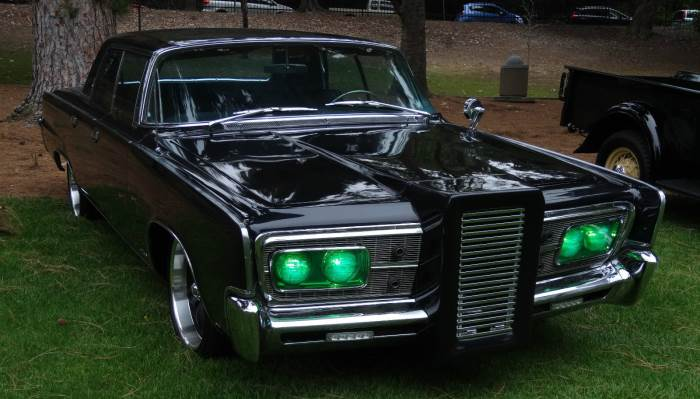 chrysler-imperial-black-beauty