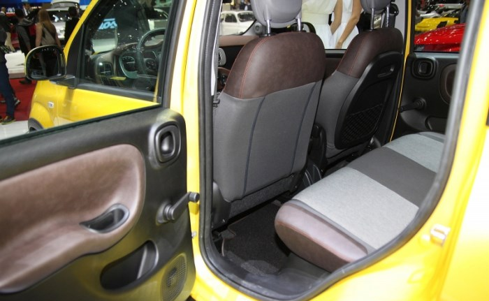 Fiat_Panda_Cross_2014_salon-foto