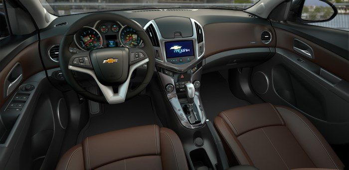salon-chevrolet cruze