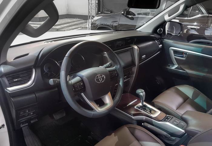 Toyota Fortuner-salon
